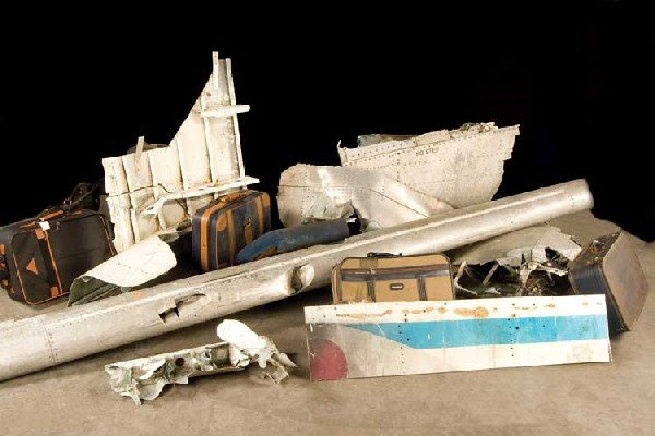 Oceanic Airlines 815 wreckage #1