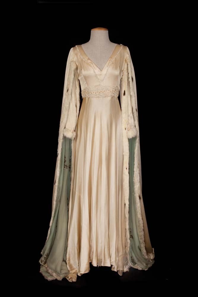 Jeanette MacDonald medieval gown from Vagabond King