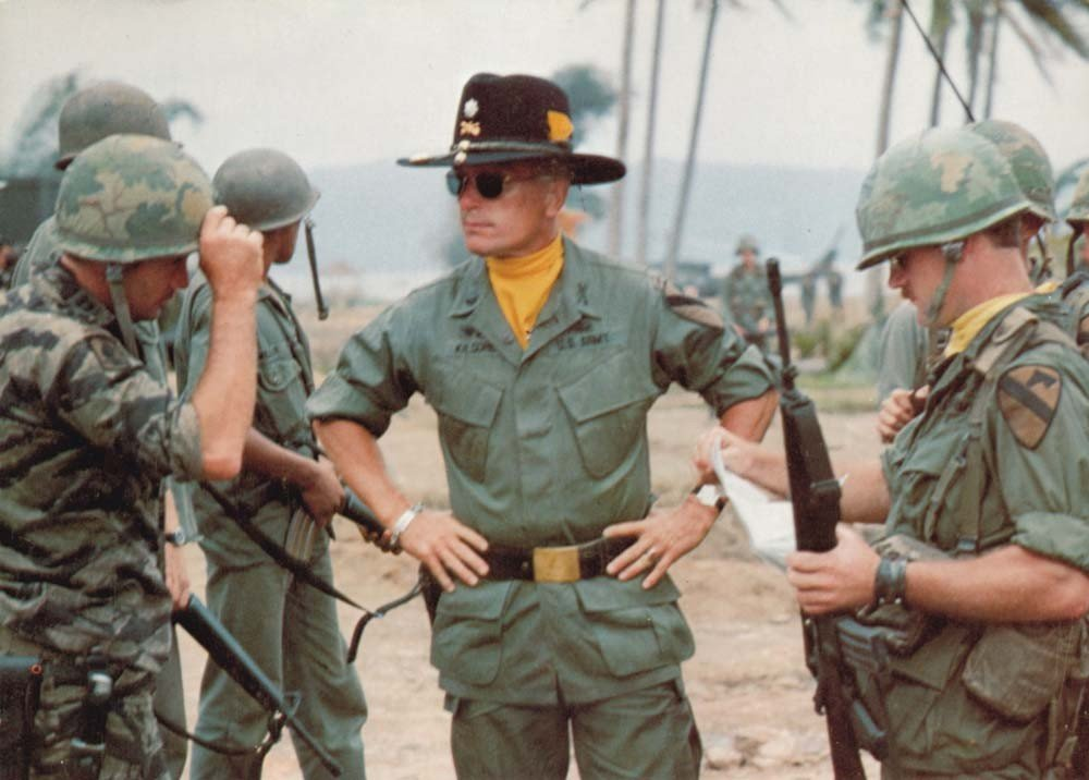 Robert Duvall coat and branch scarf from Apocalypse Now - 4