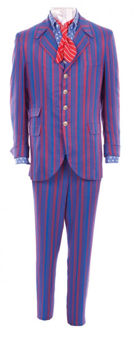 """19: Myers """"Austin Powers"""" groovy suit in Goldmember"""