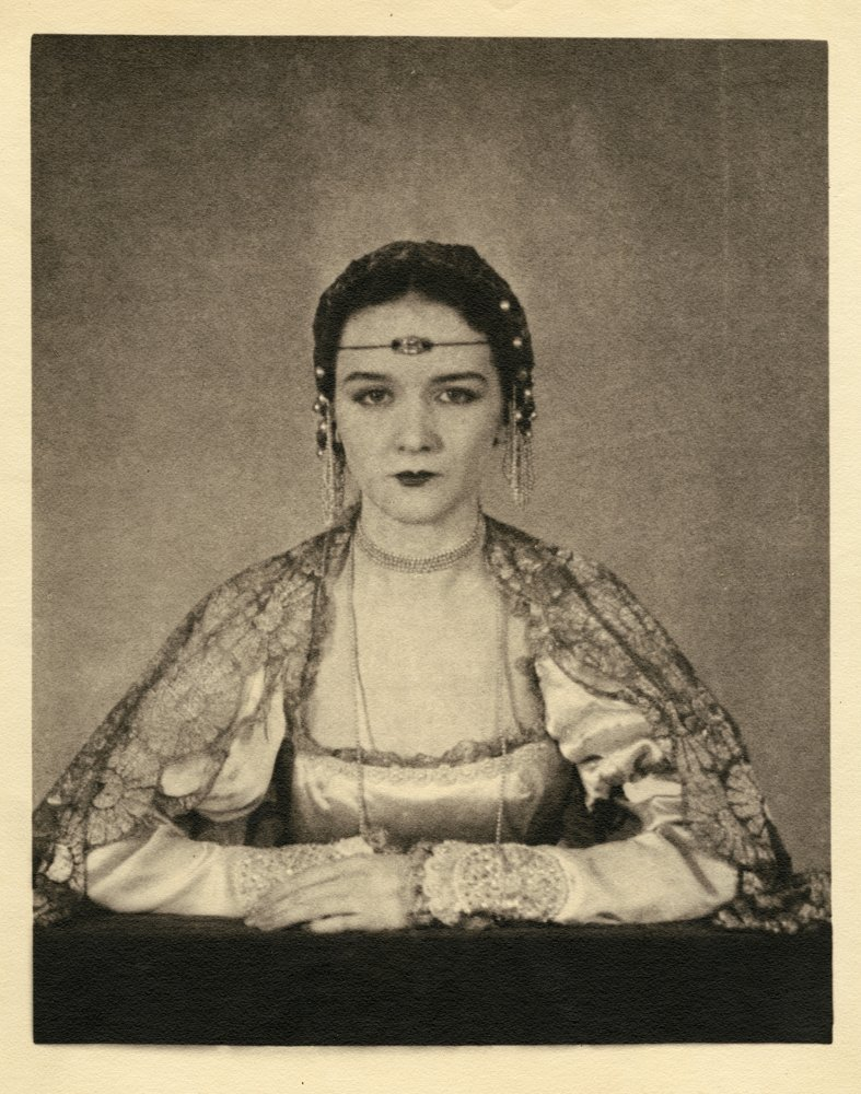 15: FEMALE SUBJECTS PORTRAITS IN COSTUME BY MORTENSEN