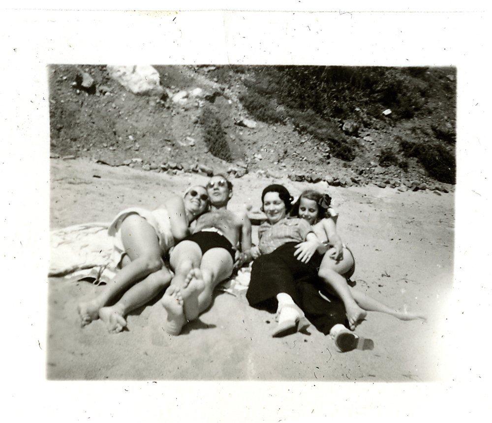 476: GROUCHO MARX 1930S PERSONAL FAMILY PHOTO ALBUM