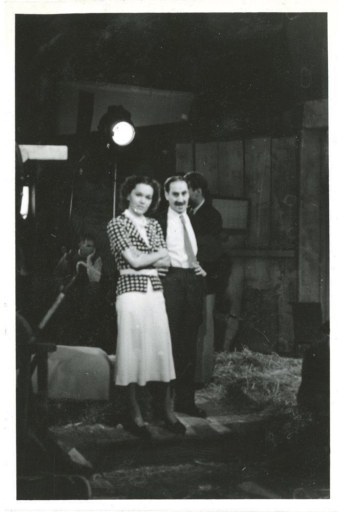 476: GROUCHO MARX 1930S PERSONAL FAMILY PHOTO ALBUM - 3