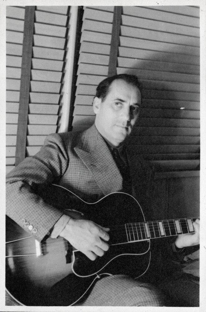 476: GROUCHO MARX 1930S PERSONAL FAMILY PHOTO ALBUM - 4