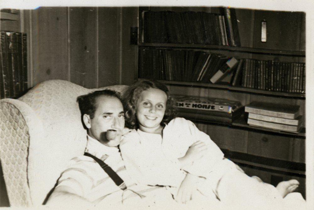 476: GROUCHO MARX 1930S PERSONAL FAMILY PHOTO ALBUM - 7