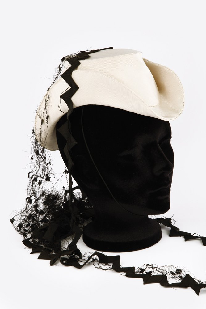 553: VIVIEN LEIGH HAT FROM GONE WITH THE WIND