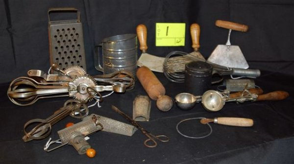 1: Assorted  Kitchenware Lot Includes (1) Early Nutmeg