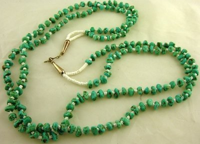 1010: Contemporary turquoise nugget necklace