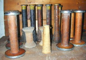 011: Lot of Old Wooden Woolrich Mill Spools