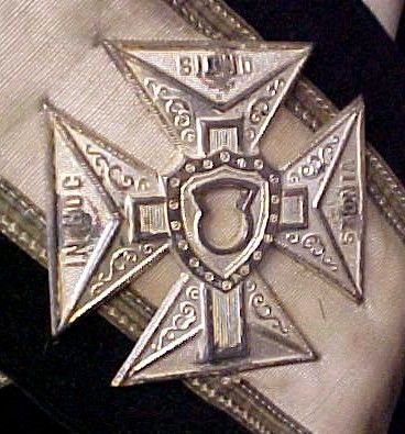 236: Masonic Knights Templar Uniform Hats Lit Lot - 8