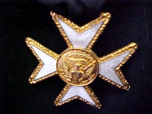 236: Masonic Knights Templar Uniform Hats Lit Lot - 9