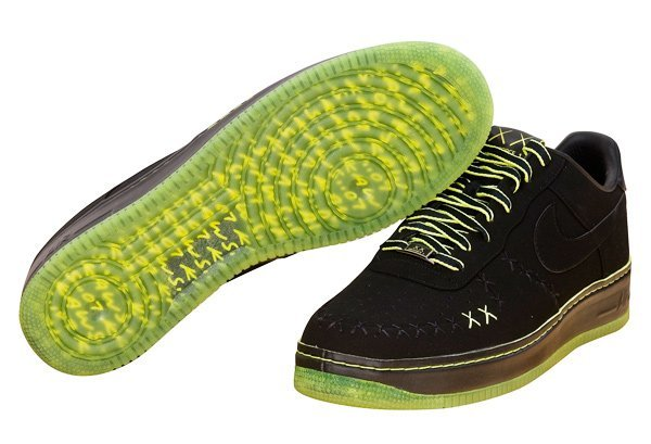 19: KAWS - Nike Air Force 1 Shoes Size US 14 Promotiona