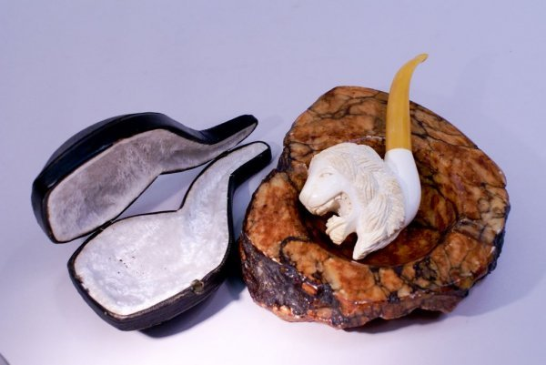 Meerschaum Carved Lion Pipe in Fitted Leather Case & an