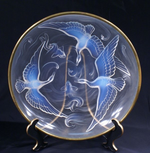 """Art Deco French Verlys Opalescent """"Birds & Fish"""" Center"""