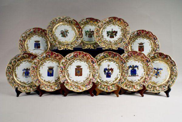Capodimonte Hard Paste Armorial Cabinet Plates