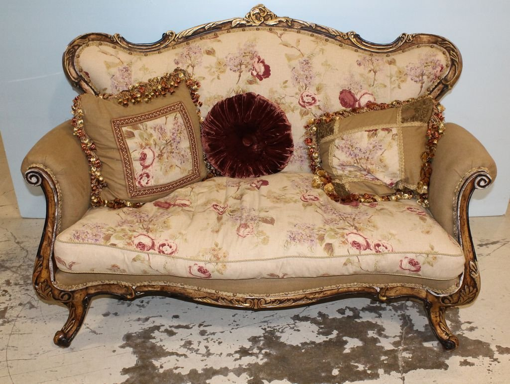 Country French Style Settee