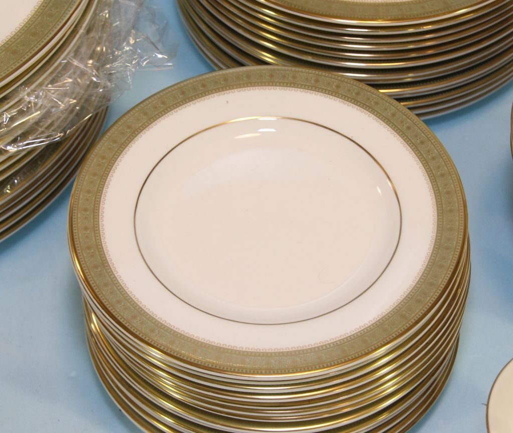 """Set of Royal Doulton """"Belvedere"""" China - 2"""