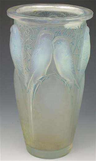 'Ceylan', a Lalique frosted and opalescent glass vas