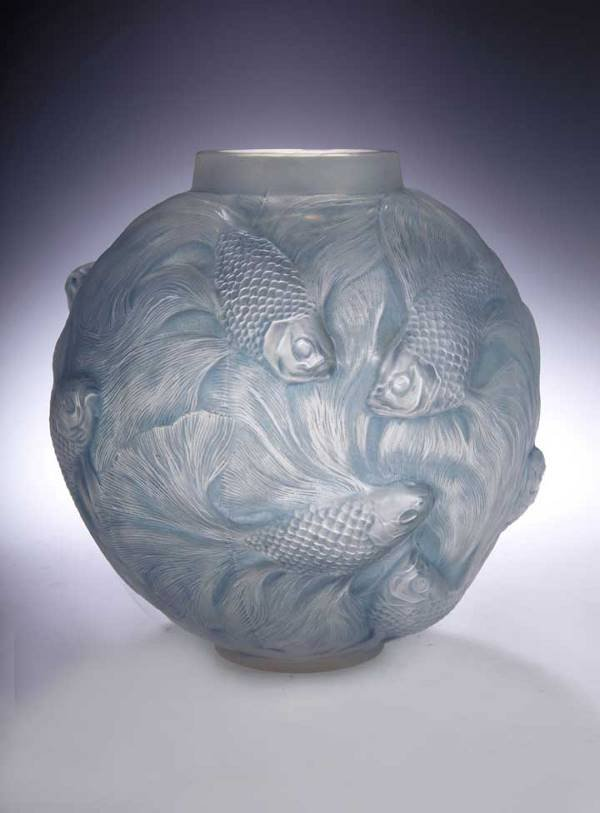 8: 'Formose', a Lalique clear and frosted glass vase, o