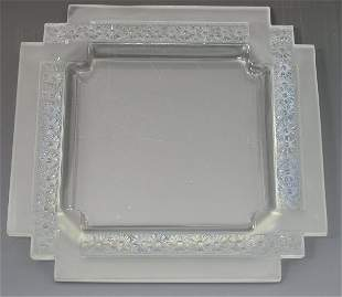 'Paquerettes', a Lalique frosted and clear glass tr
