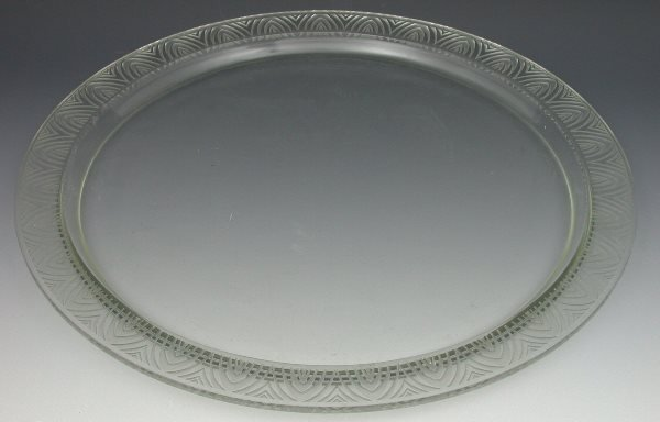 18: 'Padue', a Lalique clear and frosted circular glass