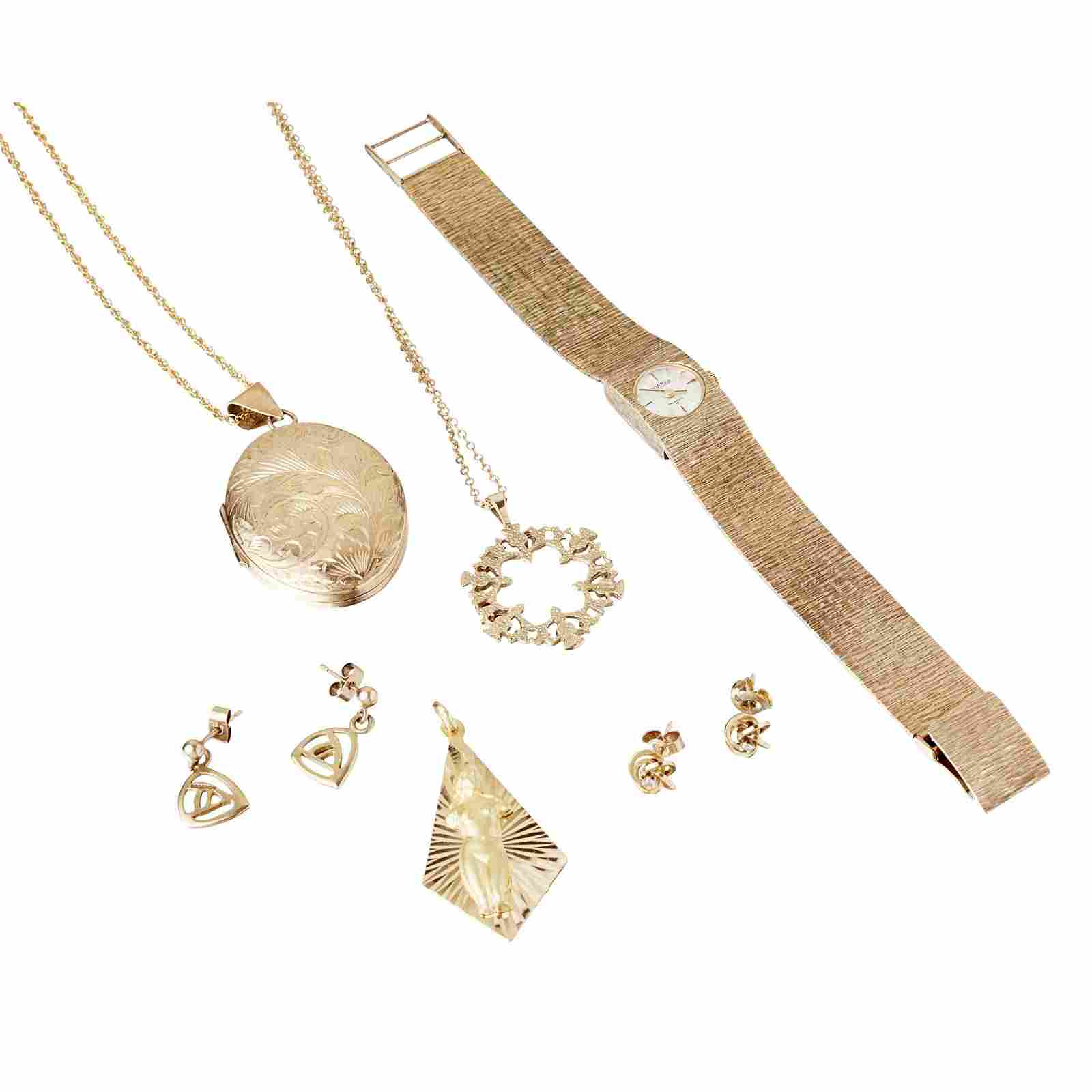 A collection of 9ct gold jewellery