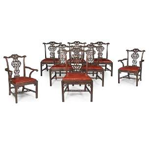 FINE SET OF EIGHT CHIPPENDALE STYLE MAHOGANY DINING