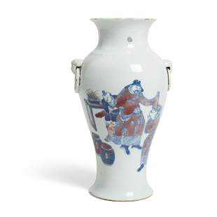 BLUE AND WHITE WITH UNDERGLAZED-RED BALUSTER VASE QING