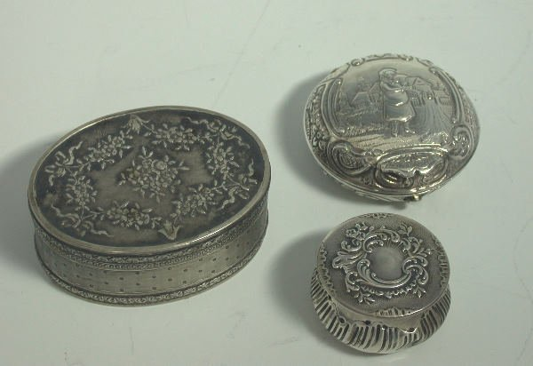 28: A 19th century continental silver oval box,  with i