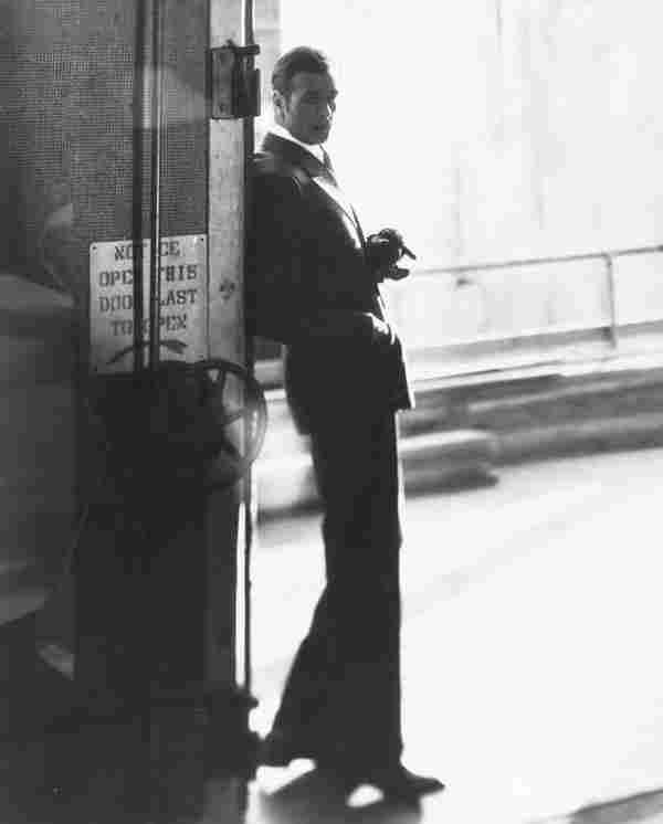 1462: Cecil Beaton (1904-1980) Full length portrait of