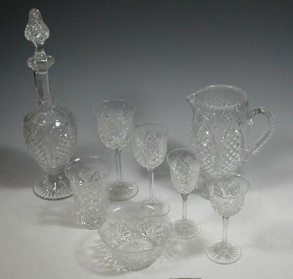 3: A suite of early 19th century glass, comprising: ele