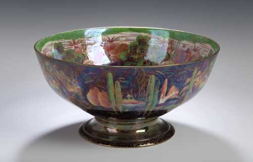 237: A large Wedgwood 'Fairyland Lustre' foot