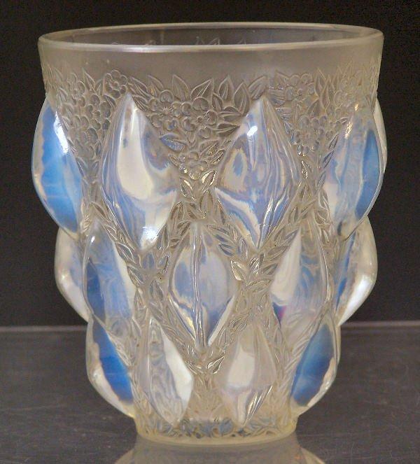 1012: Rampillon', a Lalique glass vase