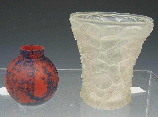 1023: A Robj ovoid glass vase