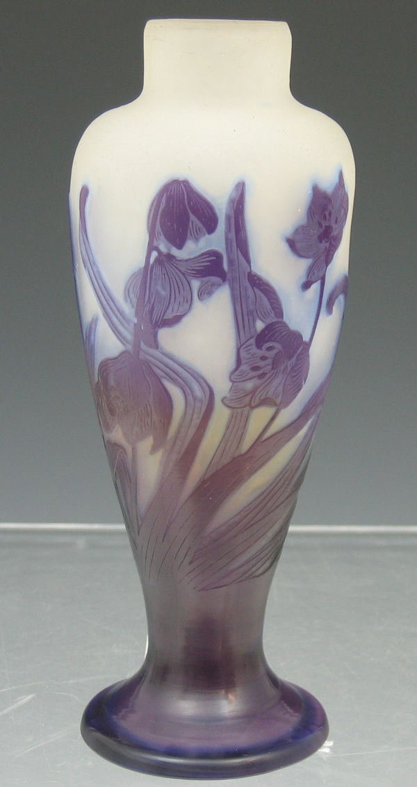 1025: A Gallé cameo glass vase