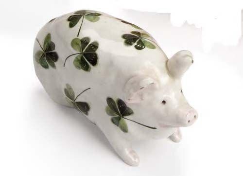 1008: A small Wemyss pig, 16cm long