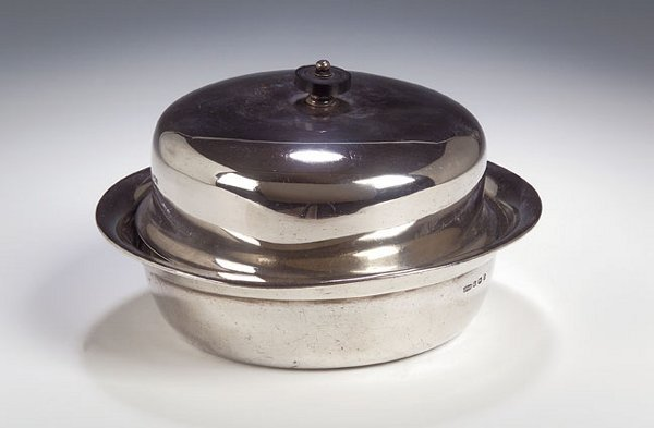 1013: A silver muffineer, cover and liner, with marks f
