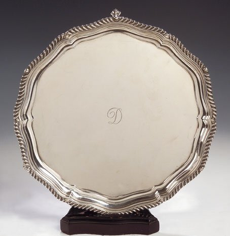 1014: An Edwardian silver salver, with marks for 'H SLD