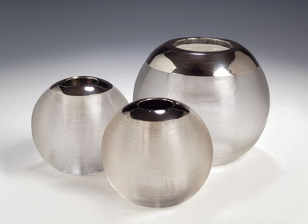 1017: A pair of silver mounted glass vesta holders, wit