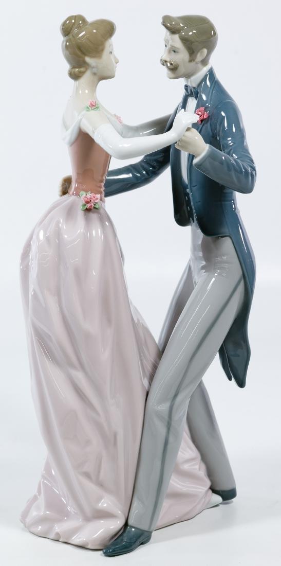 Lladro #1372 'Anniversary' Figurine