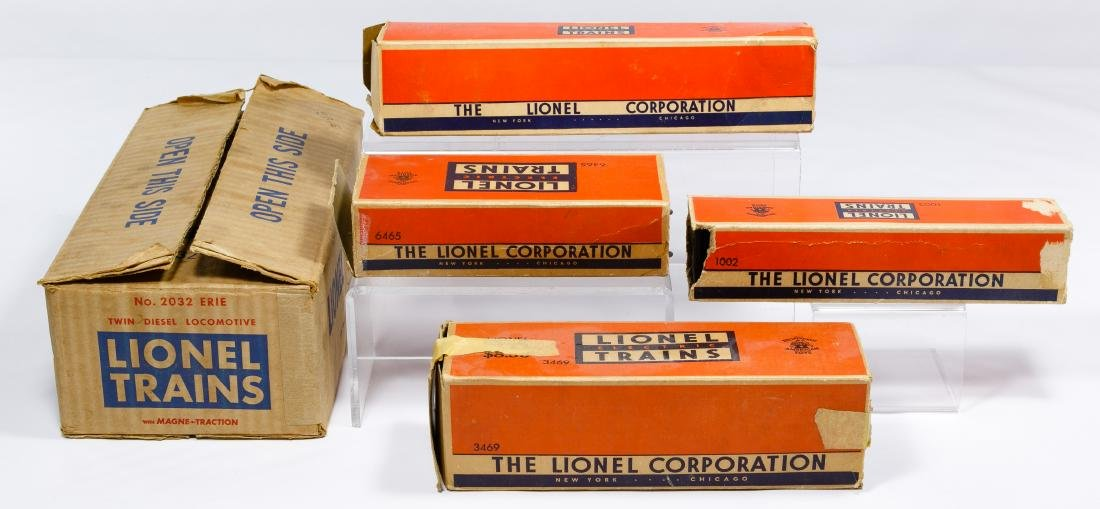 Lionel O27 Gauge Model Train Assortment - 2