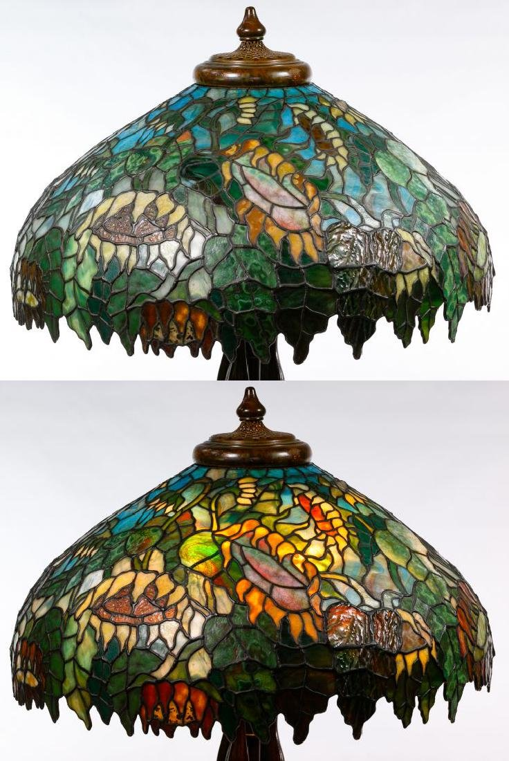 Tiffany Style 'Sunflower' Stained Glass Shade Table - 3