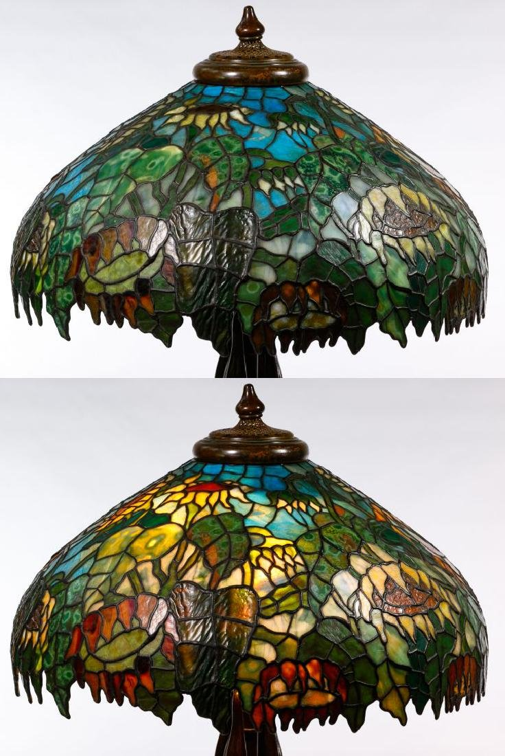 Tiffany Style 'Sunflower' Stained Glass Shade Table - 6