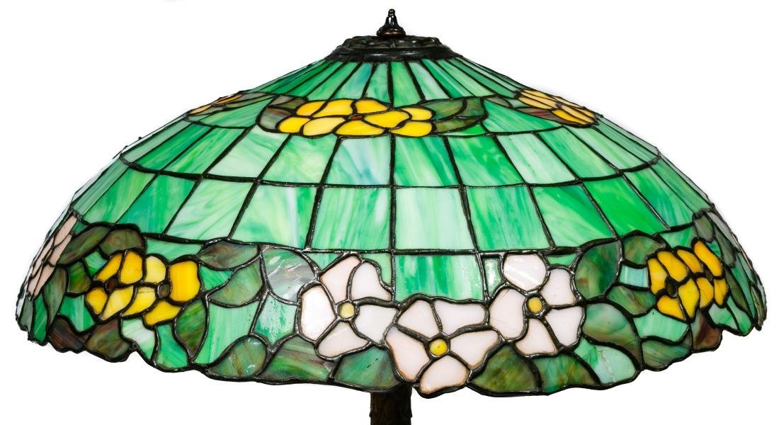 Leaded Glass Table Lamp - 3