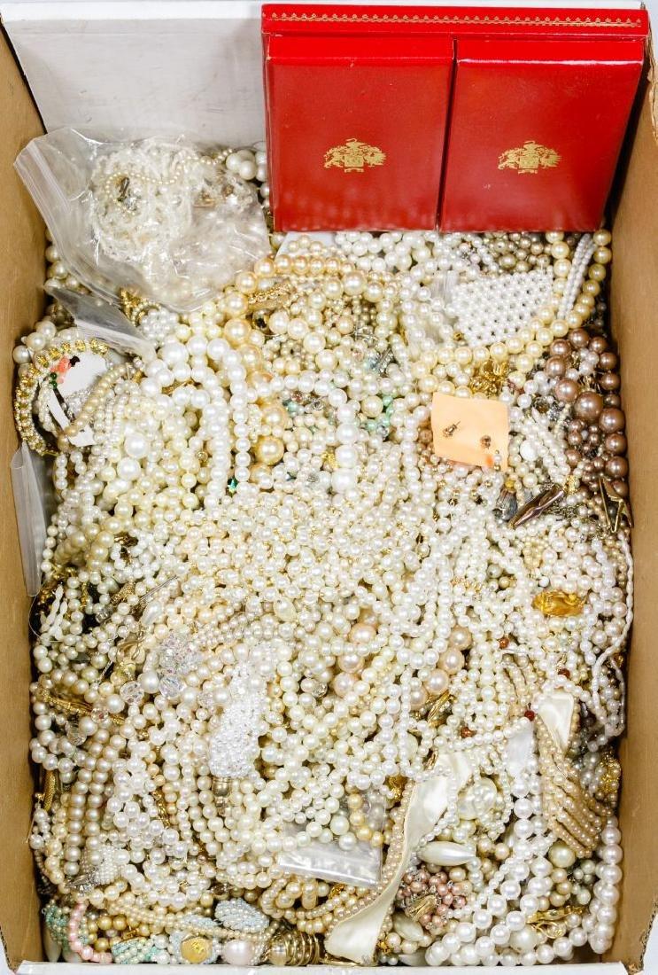 Costume Jewelry Pearl Assortment