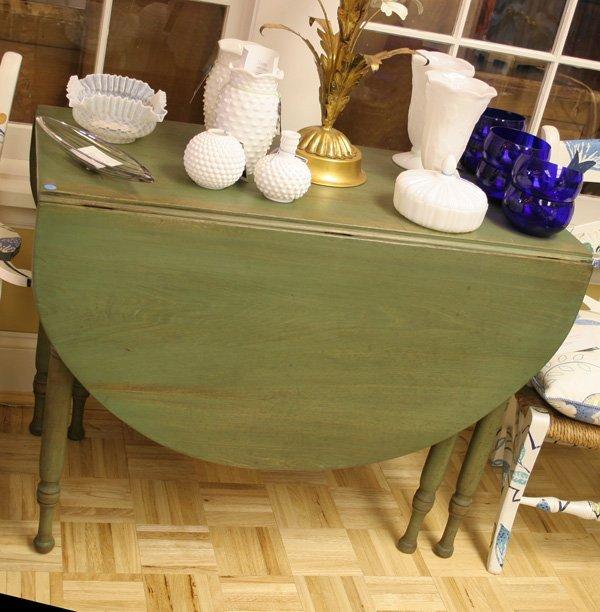 9: Sheraton cherry gateleg table with wood pin construc