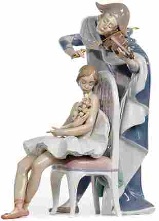 Lladro #5932 'Jester's Serenade' Figurine
