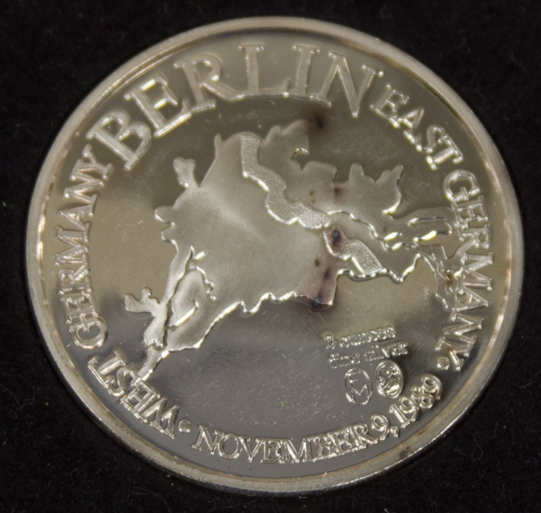 Silver Berlin Wall Commemorative Medallion