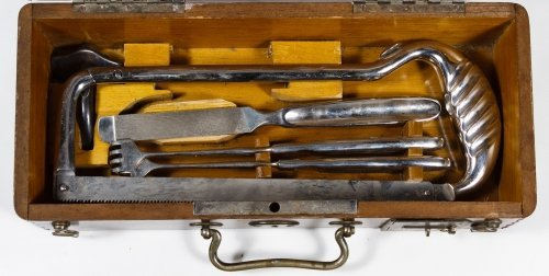 Surgical Kit with Wooden Case - 2