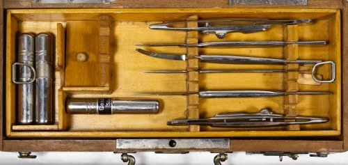 Surgical Kit with Wooden Case - 5